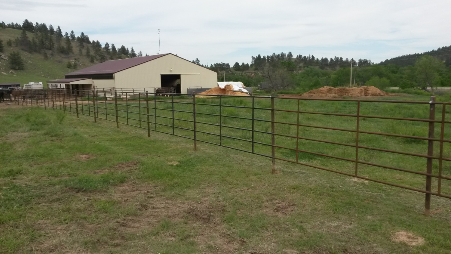 Bechen Fencing farm and ranch fencing
